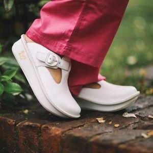 ALEGRIA   Donna White Leather Pro Clogs NWOB